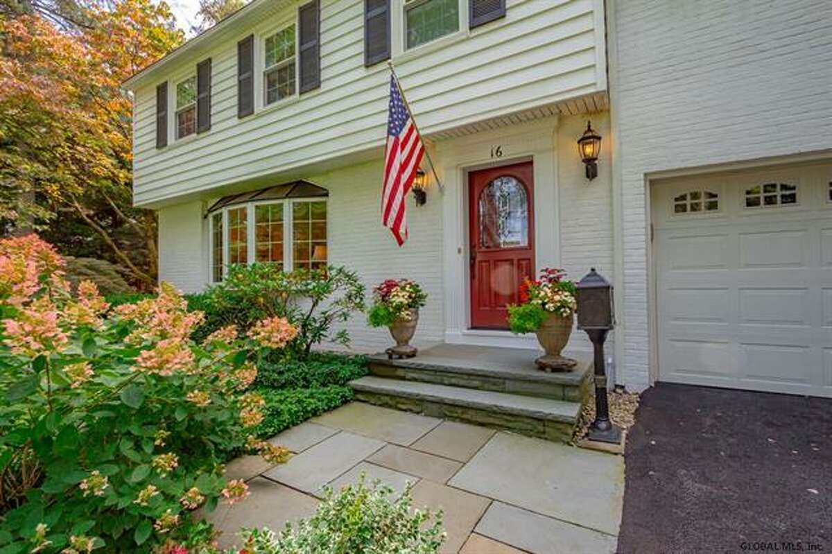 House of the Week: 16 Ross Court, Colonie | Realtor: Steven Girvin and Amy Favreau of Better Homes and Gardens Real Estate Tech Valley | Discuss: Talk about this house