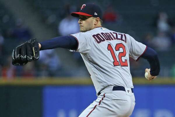 CHICAGO, IL - MAY 03: Starting pitcher Jake Odorizzi #12 of the Minnesota Twins delivers the ball against the Chicago White Sox at Guaranteed Rate Field on May 3, 2018 in Chicago, Illinois. (Photo by Jonathan Daniel/Getty Images)