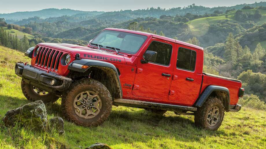 The 2020 Gladiator builds on a rich heritage of tough, dependable Jeep trucks with an unmatched combination of rugged utility, authentic Jeep design, open-air freedom, clever functionality and versatility, advanced fuel-efficient powertrains, and a host of innovative safety and advanced technology features. Photo: FCA US LLC / Copyright © 2019 FCA US LLC. All Rights Reserved.