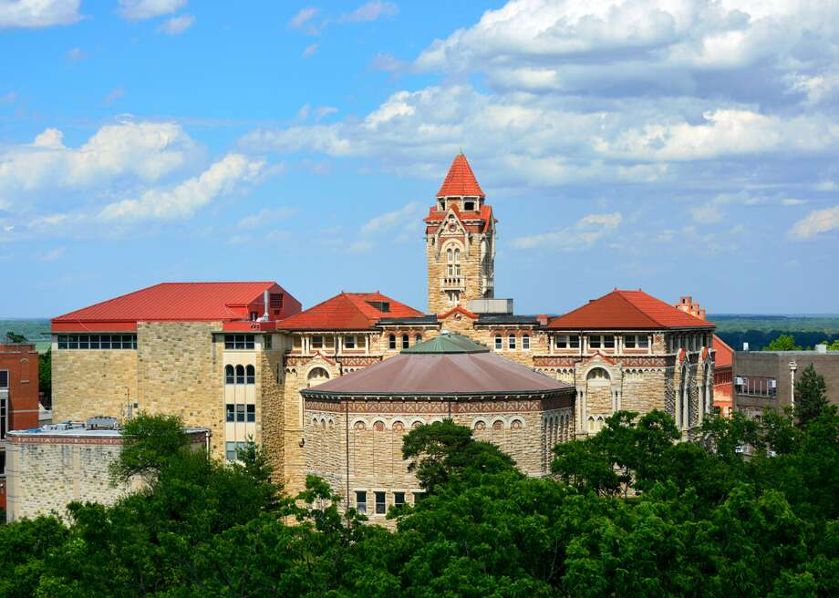 University of Kansas students want Monday (Feb. 3, 2020) classes canceled because they expect many Jayhawks will be too sick and hung over to attend them after a night of post-Super Bowl partying. Photo: Jeff Zehnder // Shutterstock