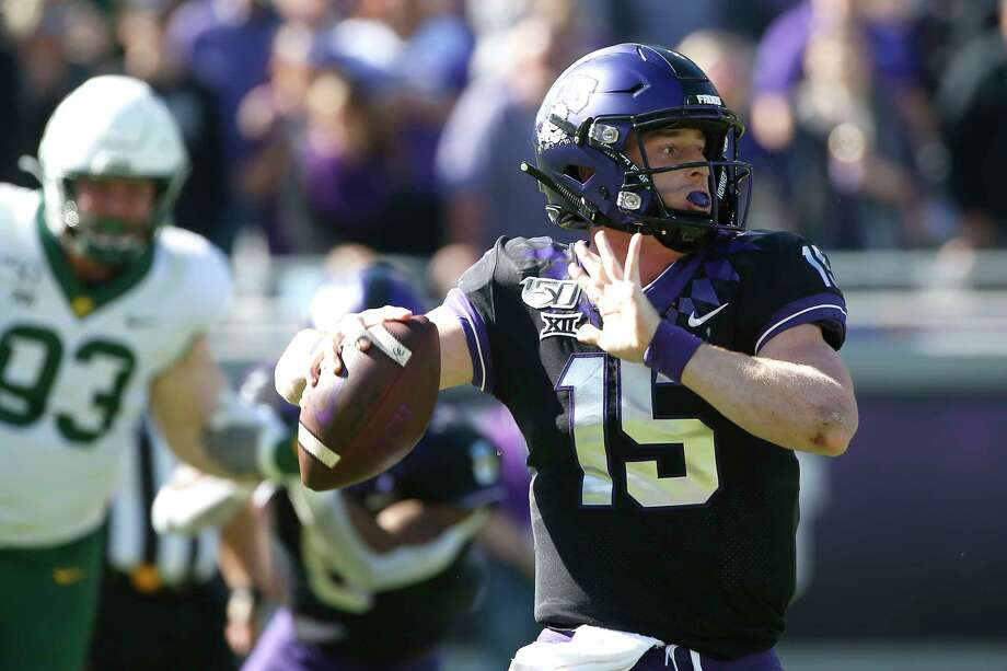 TCU quarterback Max Duggan (15) looks to throw against Baylor during the first half of an NCAA college football game Saturday, Nov. 9, 2019, in Fort Worth, Texas. (AP Photo/Ron Jenkins) Photo: Ron Jenkins, Associated Press / FR171331 AP