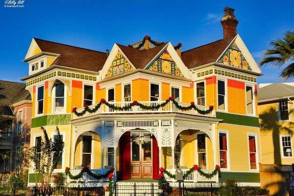 Enjoy the Historic East End Holiday Homes Tour.