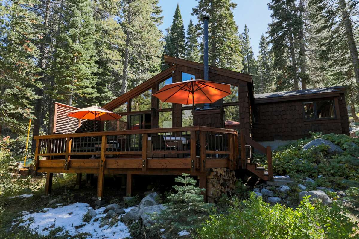 Heath Ceramics owners Cathy Bailey and Robin Petravic are now renting their cabin near Lake Tahoe throughAirbnb.The four-bedroom home is in Alpine Meadows near the ski resort.