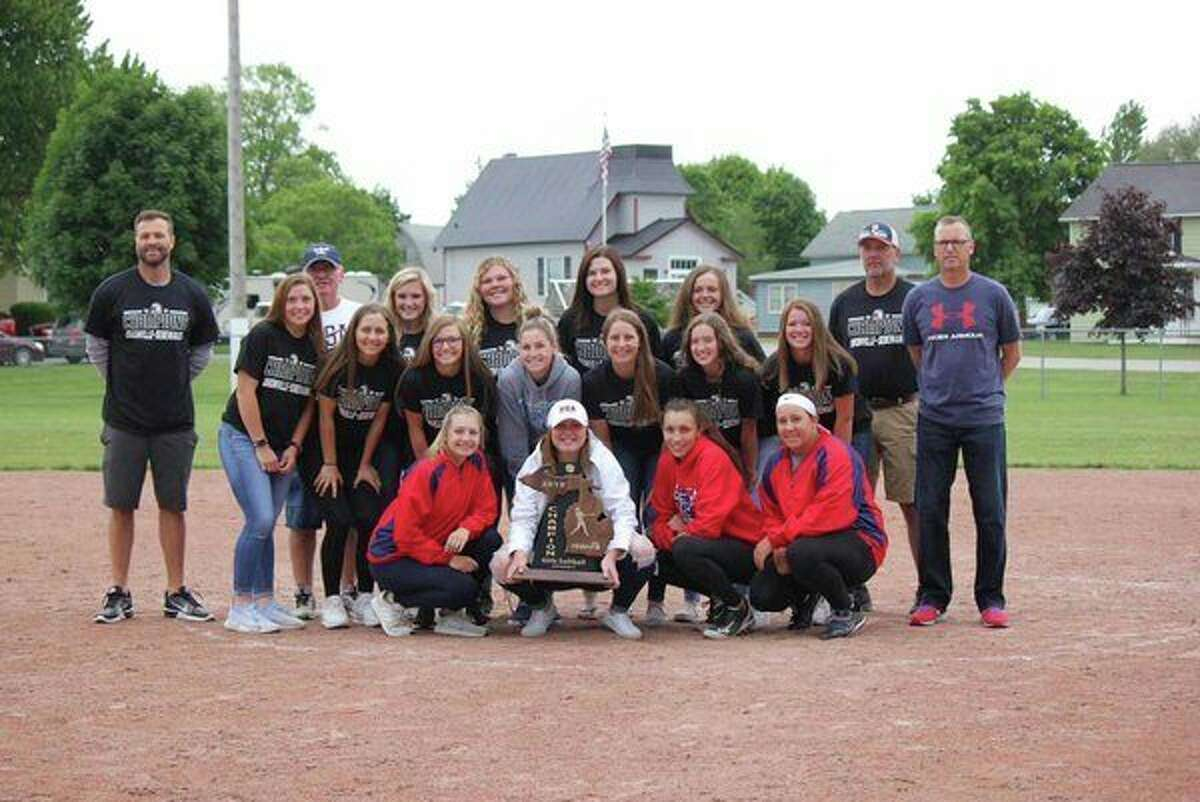 The USA girls varsity softball team poses with with their state championship trophy. (Charles Mcgathy/Courtesy Photo)