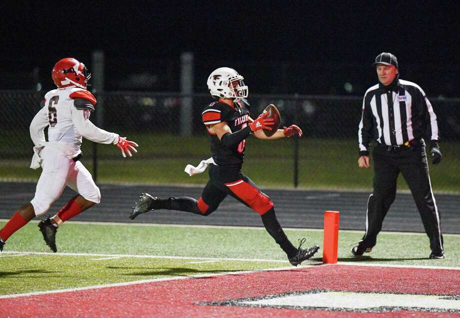 Hargrave's Peyton Pierson (6) scores the first of his three touchdowns in the Falcons' 49-6 victory over the Furr Brahmans in the Bi-District round of the playoffs on Nov. 14 at Falcon Stadium in Huffman Photo: Greg Valk, 59N Sports