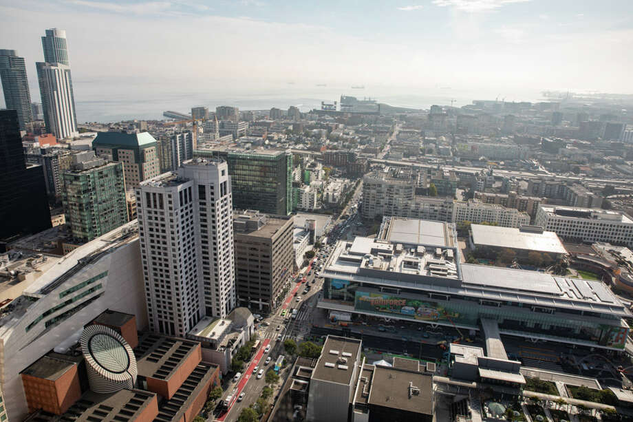 Looking down from the top of 706 Mission onto Yerba Buena Gardens and SFMOMA. | Photos: Cheryl Guerrero/ Hoodline / © Cheryl L Guerrero