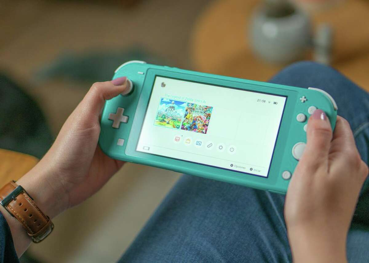 37 of the best games on Nintendo Switch There's honestly never been a better time to get stuck into Nintendo Switch games.First off, there's a choice between the original Nintendo Switch and the brand new Nintendo Switch Lite. That's good.Second of all, a huge number of us are homebound. There's never been a better time to disappear into a video game for a few weeks.The Nintendo Switch already has a solid library of classics. Let's run through a few of our favourites.