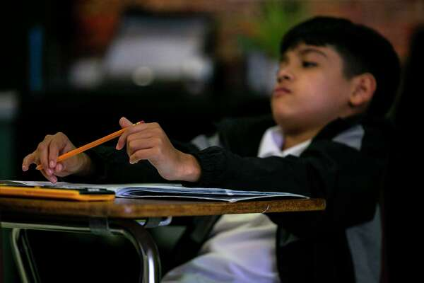 More high-poverty schools in San Antonio win 'gold ribbons'