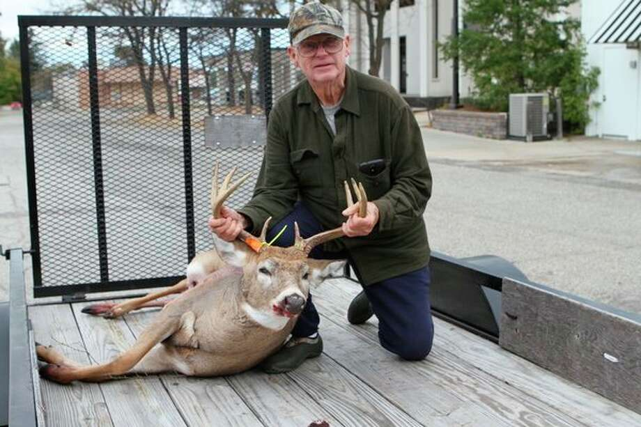 Last season, Don Morris of Big Rapids shot an 8-point buck with his bow. (Pioneer file photo)