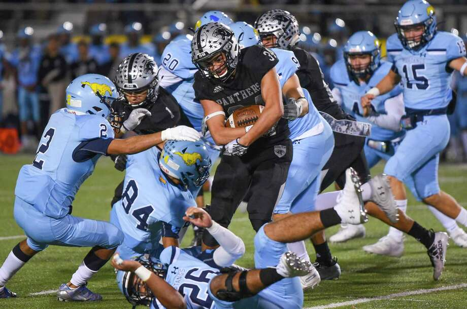 United South's 2019 season concluded with a 31-28 loss to McAllen Memorial on Friday at the SAC. Photo: Danny Zaragoza /Laredo Morning Times