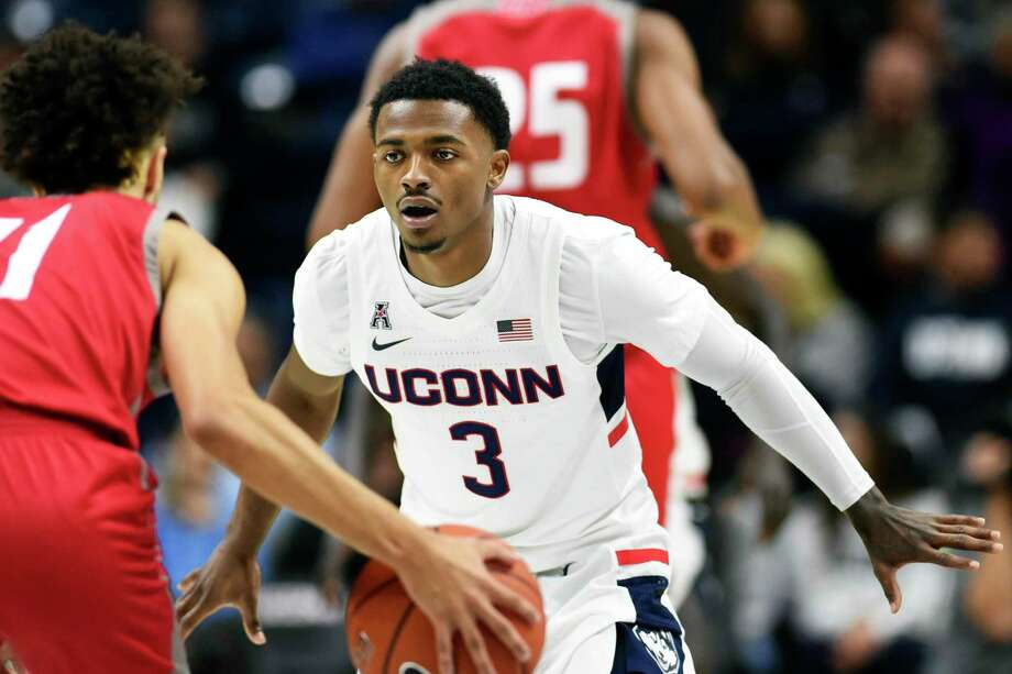 Alterique Gilbert knows he needs to be more of an oncourt leader when UConn hosts No. 15 Florida on Sunday. (AP Photo/Stephen Dunn) Photo: Stephen Dunn / Associated Press / Copyright 2019 The Associated Press. All rights reserved