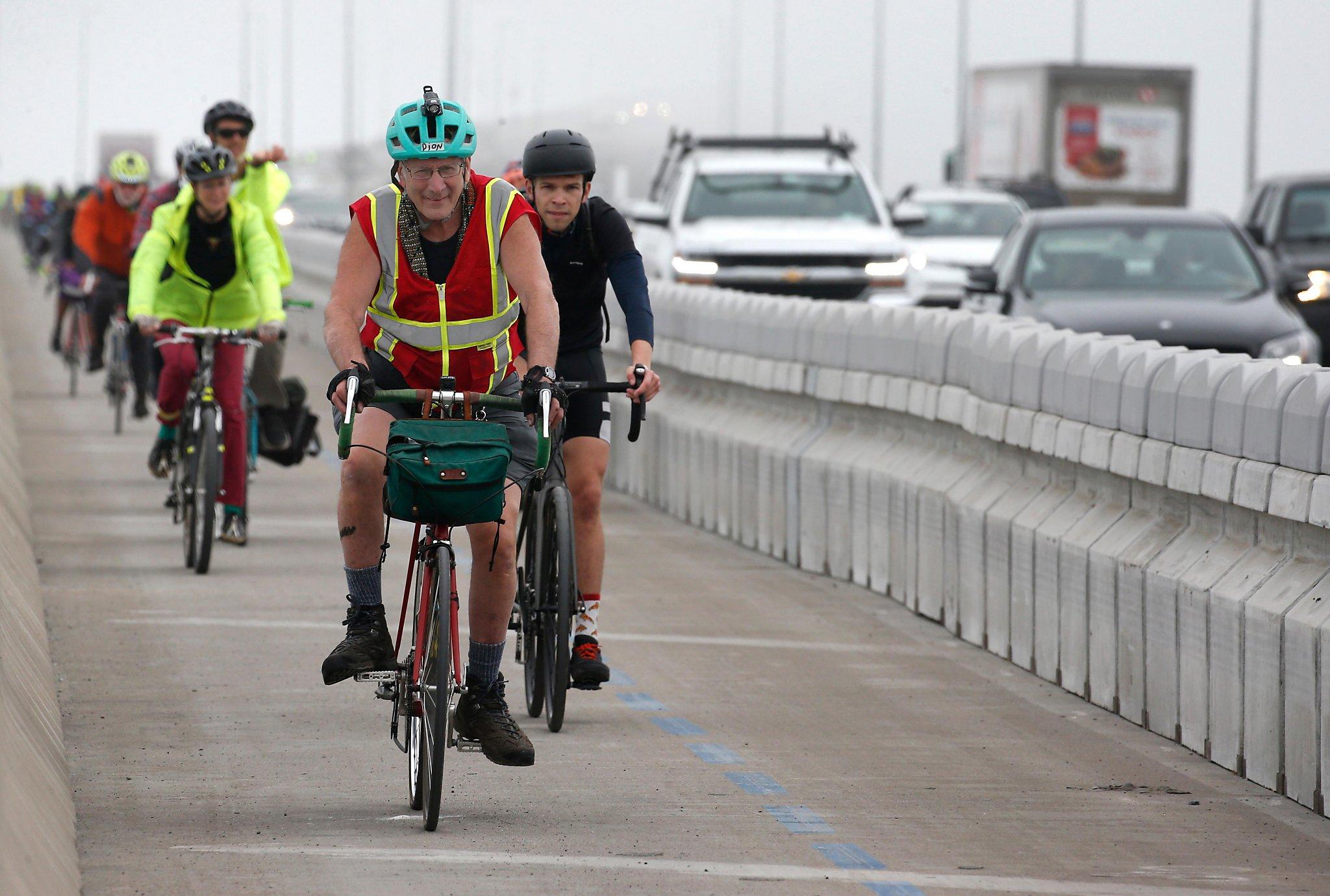 New bike path on Richmond-San Rafael Bridge leads to future of transportation - San Francisco Chronicle