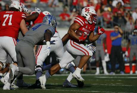 Houston Cougars running back Kyle Porter (22) runs the ball against the Memphis Tigers during the second quarter of an NCAA game at TDECU Stadium Saturday, Nov. 16, 2019, in Houston. Memphis won 45-27.