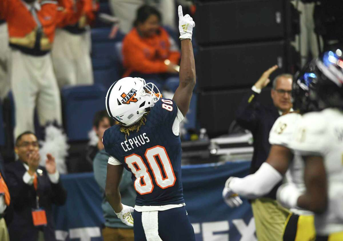 Joshua Cephus of UTSA celebrates after a first-quarter touchdown against Southern Miss during college football action in the Alamodome on Saturday, Nov. 16, 2019.