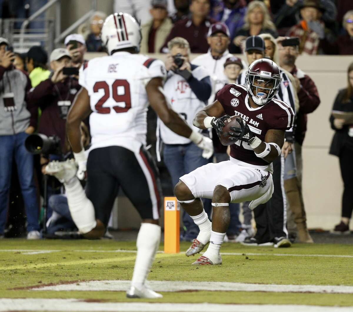 COLLEGE STATION, TEXAS - NOVEMBER 16: Cordarrian Richardson #25 of the Texas A&M Aggies catches a 17-yard pass for a touchdown during the second quarter against the South Carolina Gamecocks at Kyle Field on November 16, 2019 in College Station, Texas. (Photo by Bob Levey/Getty Images)