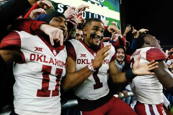 Oklahoma QB Jalen Hurts (1) overcame a rough first half to lead the Sooners past Baylor in a thrilling game Saturday in Waco.