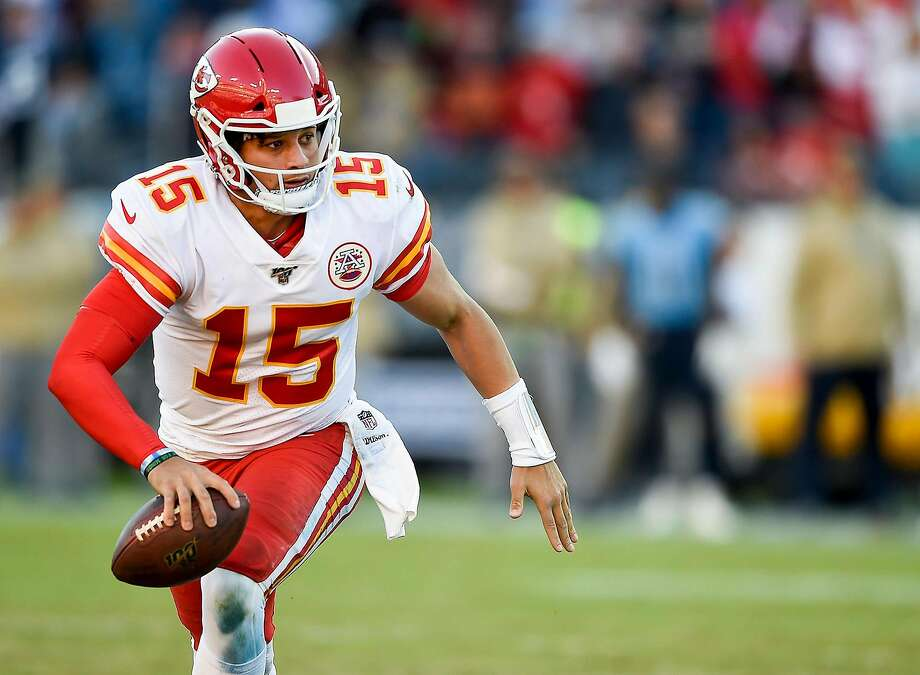 Patrick Mahomes and the Chiefs play the Chargers in Mexico City at 5:15 p.m. Monday (ESPN/1050). Photo: Tammy Ljungblad / Kansas City Star / TNS