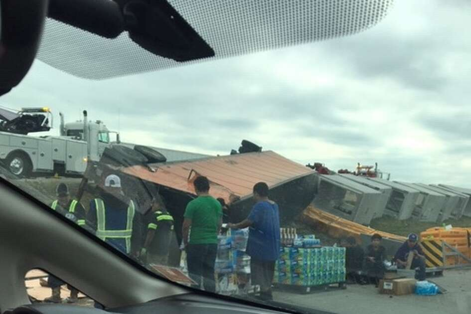 An overturned 18-wheeler on Interstate 35 in San Marcos closed lanes of the highway and caused an hours-long traffic jam Sunday.