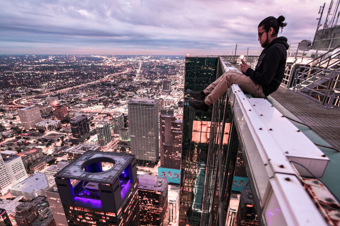 Crazy photos from this daredevil crew show us a side of Houston we've never seen - Chron