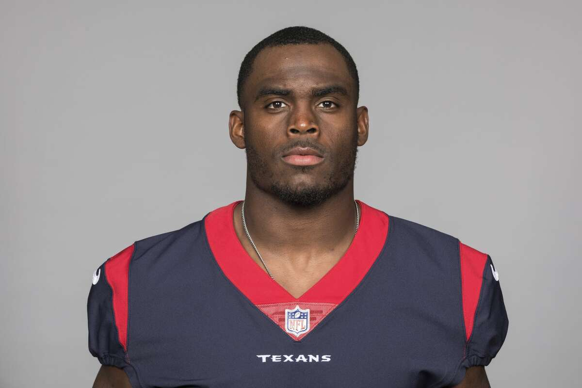 Texans safety A.J. Moore snuffed out an early Ravens threat Sunday by stopping Mark Andrews on a fake field goal.