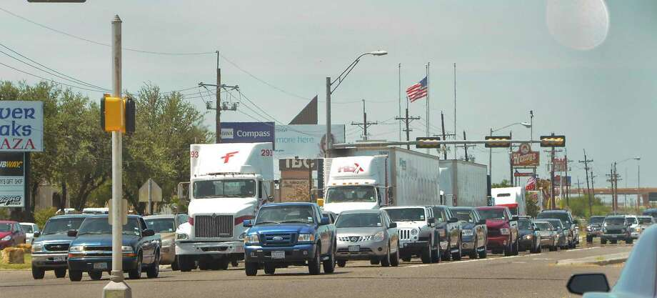 Traffic on Mines Road is shown in this file photo. Photo: Danny Zaragoza /Laredo Morning Times / LAREDO MORNING TIMES