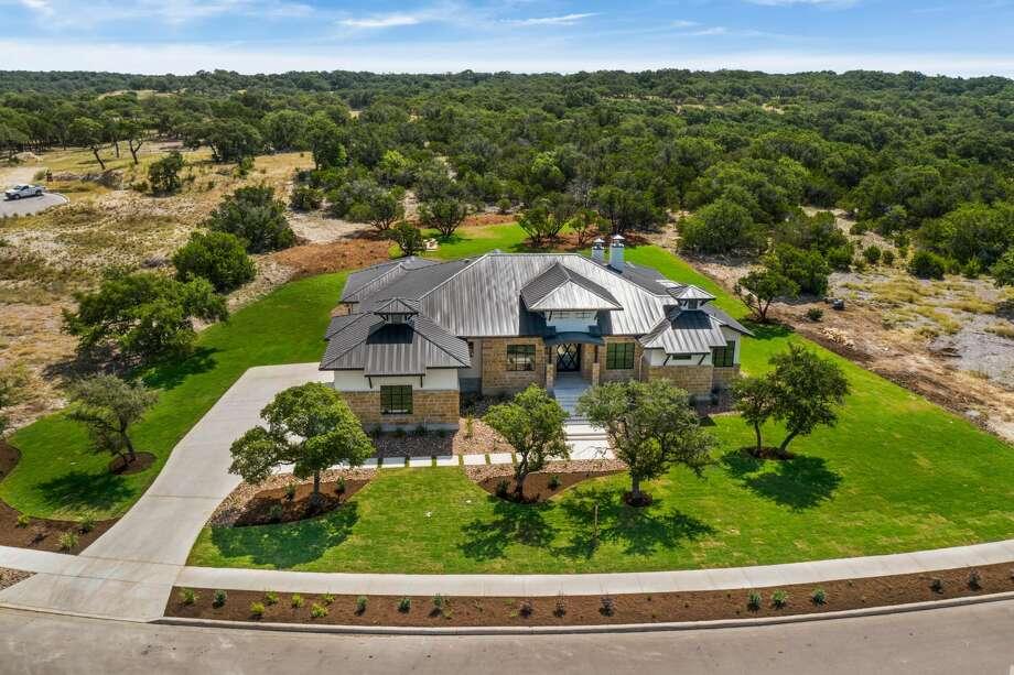 111 Lajitas, Boerne TX, 78006 5 Beds, 4 Full/1 Half baths Portfolio Real Estate, The Graves Group Photo: SABOR