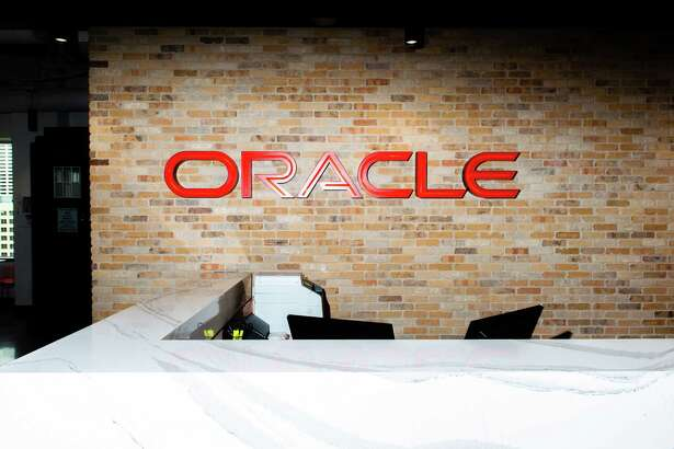 While there have been five candidates put forth to replace Mark Hurd, none has emerged quickly as the front-runner to join Safra Catz as CEO at Oracle.