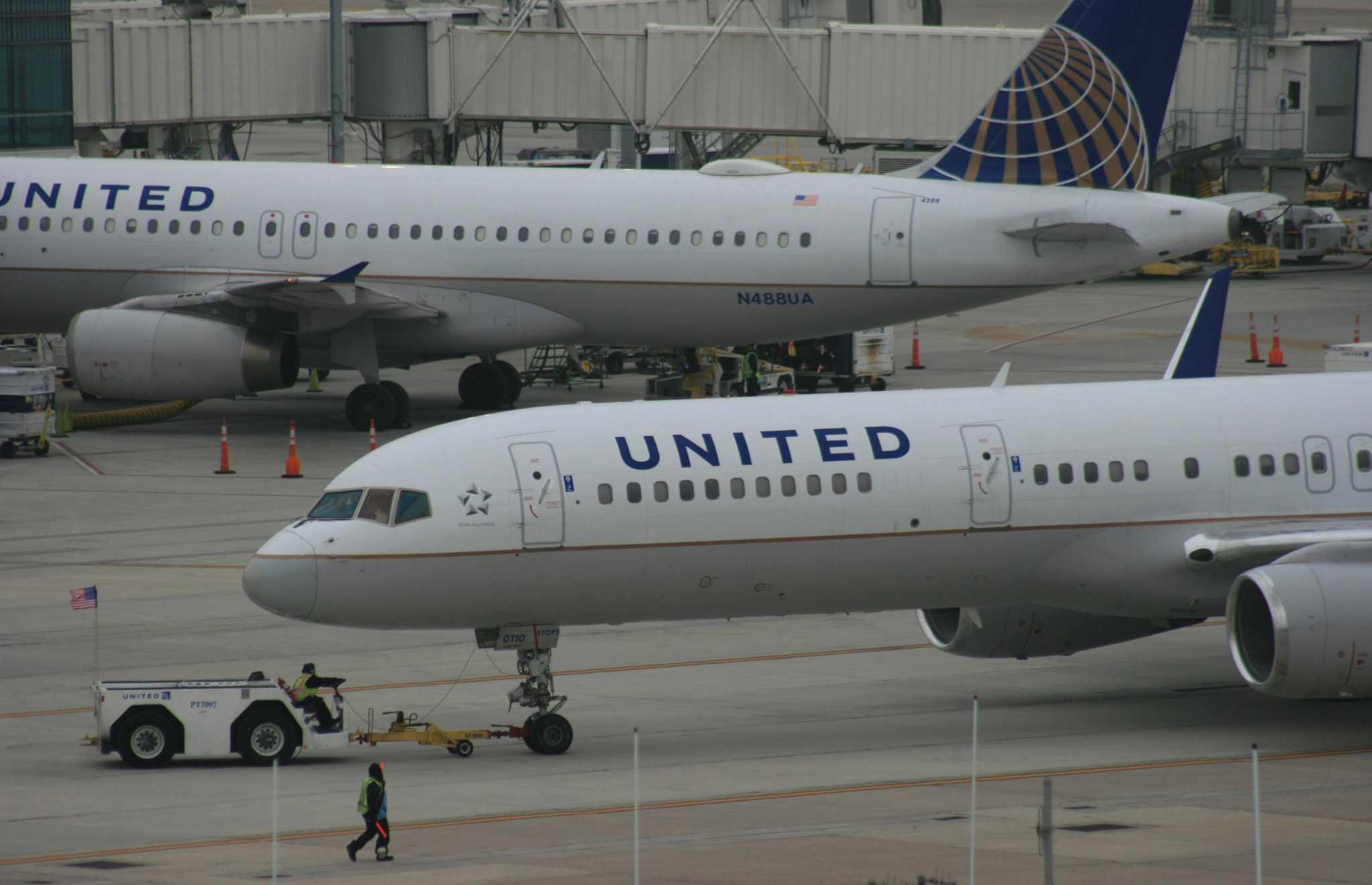 Teen jumps from Houston-to-Oklahoma City flight's jet bridge to avoid arrest, police say