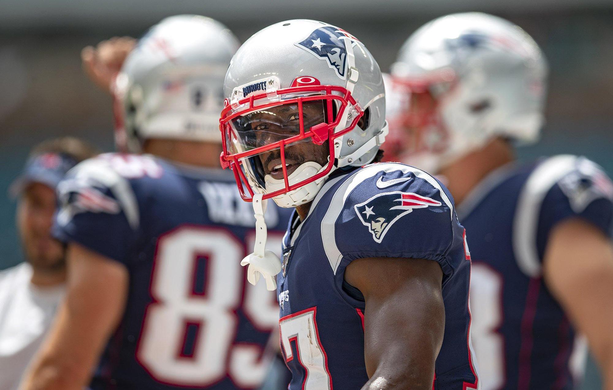 Antonio Brown apologizes to Patriots, team owner Robert Kraft