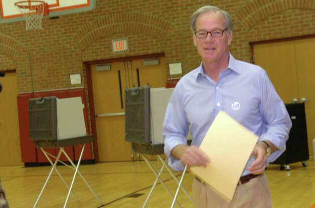 Tom Foley, Republic candidate for governor, voting at the Bendleim Western Greenwich Civic Center on Tuesday, Aug. 10, 2010. Photo: Helen Neafsey / Greenwich Time