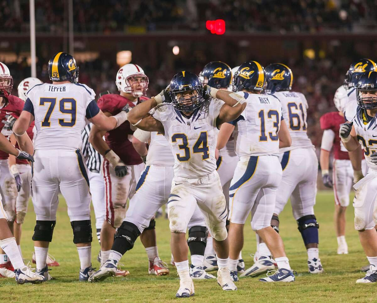 PALO ALTO, CA - NOVEMBER 21: Shane Vereen #34, tailback for the California Golden Bears, celebrates during the 113th Big Game against the Stanford Cardinal played on November 21, 2009 at Stanford Stadium in Palo Alto, California. ~~