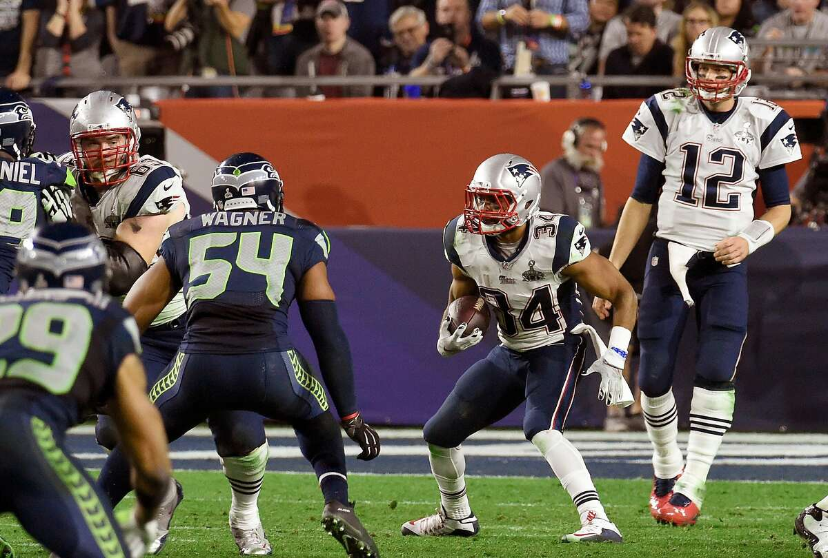 GLENDALE, AZ - FEBRUARY 01 : Shane Vereen #34 of the New England Patriots carries the ball against the Seattle Seahawks during Super Bowl XLIX February 1, 2015 at the University of Phoenix Stadium in Glendale, Arizona. The Patriots won the game 28-24. ~