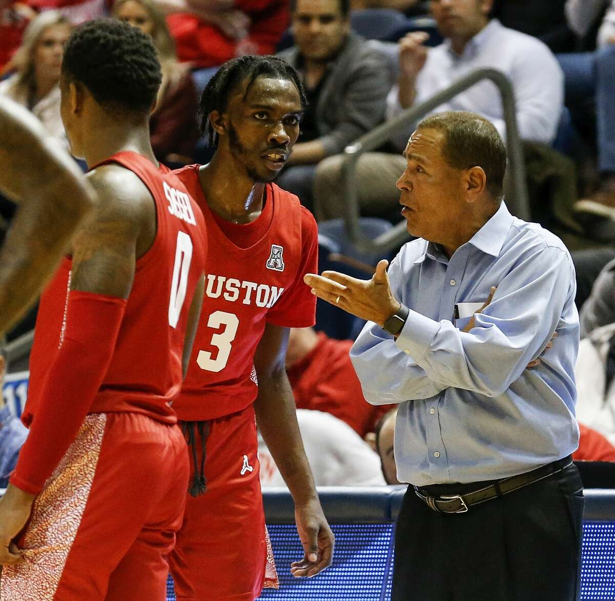 Houston Cougars head coach Kelvin Sampson talks with guard DeJon Jarreau (3) during the second half of the NCAA basketball game between the Rice Owls and the Houston Cougars at Tudor Fieldhouse in Houston, TX on Tuesday, November 19, 2019. The Cougars defeated the Owls 97-89.