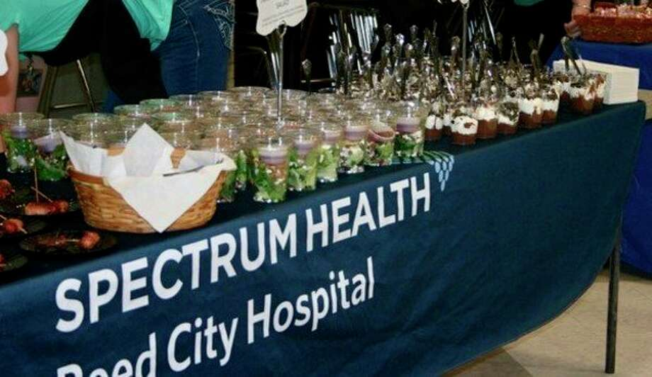 Spectrum Health provided some delicious looking snacks at the Reed City Chamber of Commerce business expo on Nov. 12. (Herald Review photo/Cathie Crew)