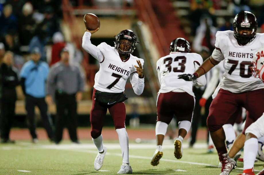 Heights Bulldogs quarterback Jalen Morrison (7) looks to pass in the first half during the high school football game between the Heights Bulldogs and the Bellaire Cardinals at Butler Stadium in Houston, TX on Friday, November 1, 2019. Photo: Tim Warner, Houston Chronicle / Contributor / ©Houston Chronicle