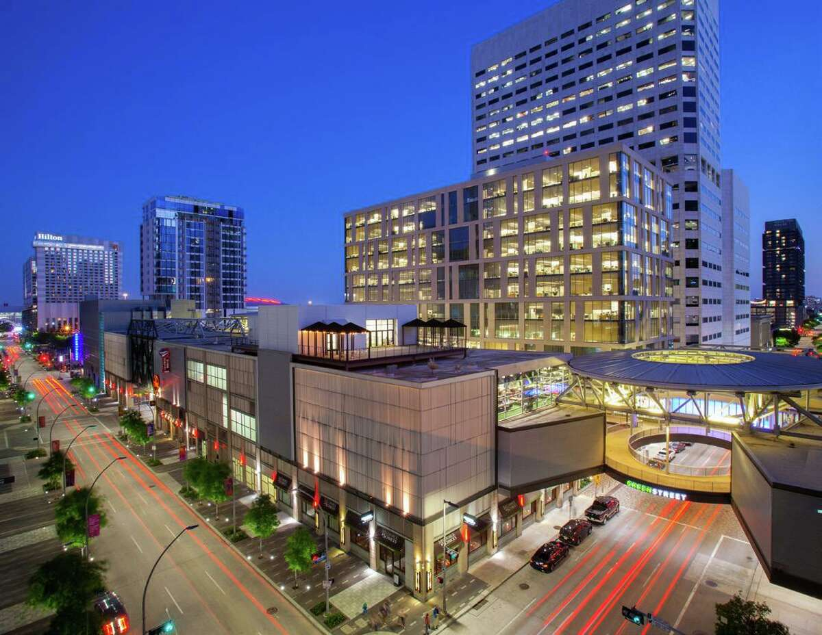 Blackstone Real Estate Debt Strategies provided a $140 million loan to refinance the GreenStreet mixed-use development in downtown Houston. JLL arranged the loan on behalf of borrowers Lionstone Investments and Midway.