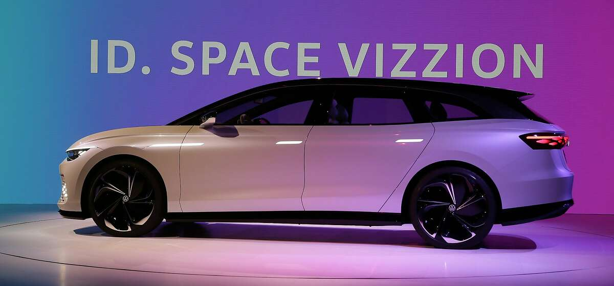 Volkswagen unveils its VW I.D. Space Vizzion autonomous electric concept wagon with