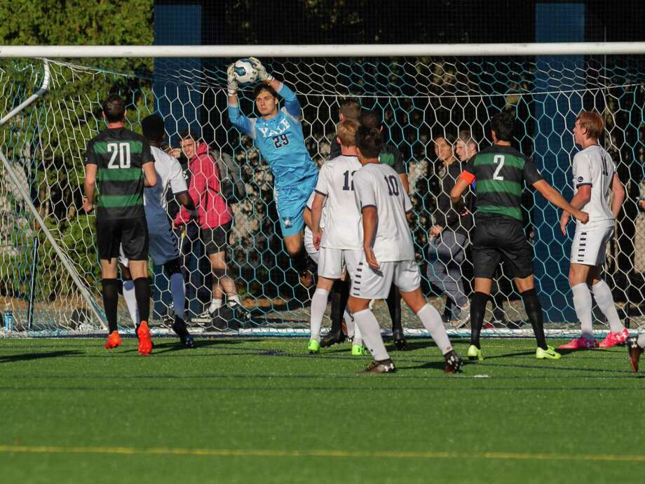 Elian Haddock was one of the top high school goalkeeping prospects when he decided to commit to play at Yale. Photo: Yale Athletics / Contributed Photo / muscosportsphotos.com