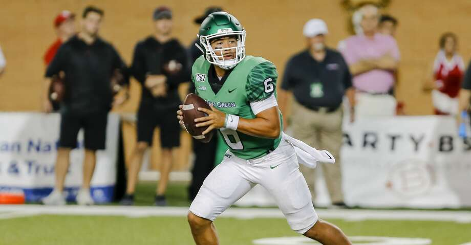 DENTON, TX - SEPTEMBER 28: North Texas Mean Green quarterback Mason Fine (6) looks downfield for an open receiver during the game between the North Texas Mean Green and the Houston Cougars on September 28, 2019 at Apogee Stadium in Denton, Texas. (Photo by Matthew Pearce/Icon Sportswire via Getty Images) Photo: Icon Sportswire/Icon Sportswire Via Getty Images
