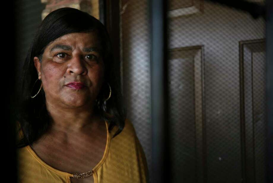 Barbara Ann Thomas and her son say they were victims of a botched raid by HPD narcotics officers when they lived on Hirsch Road. Photo: Godofredo A. Vásquez,  Staff Photographer / © 2019 Houston Chronicle