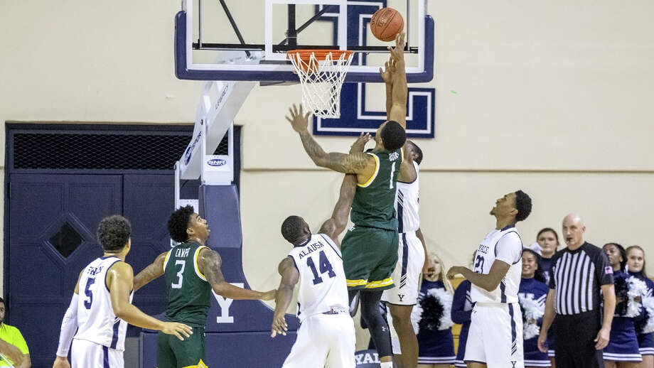 Siena's Elijah Burns puts up a shot for Siena against Yale in their game on Wednesday, Nov. 20, 2019, at Lee Amphitheater. (Steven Musco / Special to the Times Union) Photo: Steven Musco / Special To The Times Union / © Steve Musco 2019-2020, all rights reserved