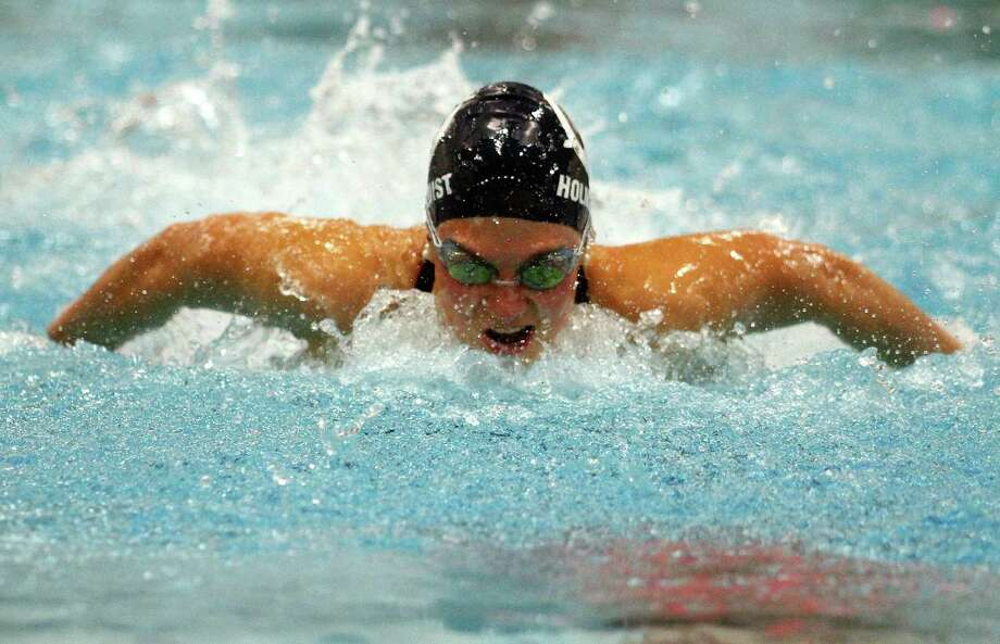 Wilton's Ellen Holmquist competes in the 200 IM during girls swimming action in Middletown, Conn., on Wednesday Nov. 20, 2019. Photo: Christian Abraham / Hearst Connecticut Media / Connecticut Post
