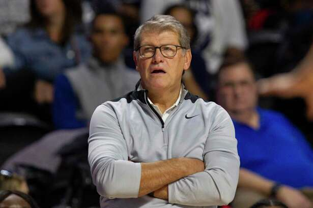 UConn coach Geno Auriemma during a game against Temple on Sunday in Philadelphia.