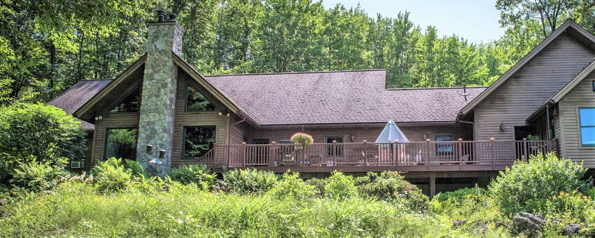 House of the Week: 1155 Middleline Rd., Milton   Realtor: Robert Regan of Keller Williams Capital District   Discuss: Talk about this house