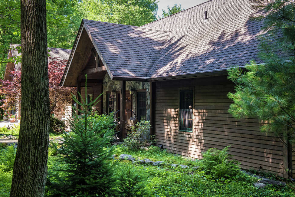 House of the Week: 1155 Middleline Rd., Milton | Realtor: Robert Regan of Keller Williams Capital District | Discuss: Talk about this house