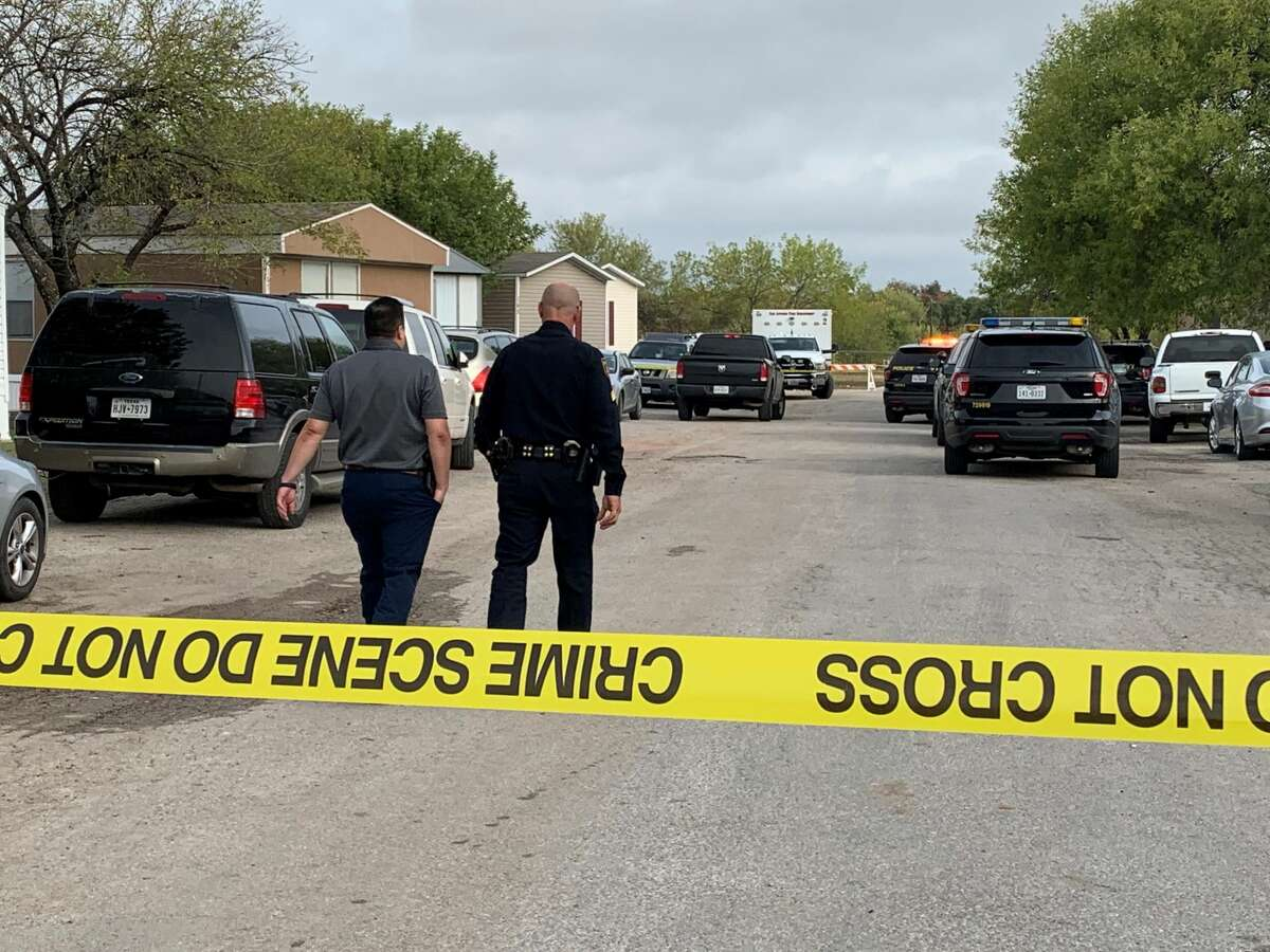 A husband and wife are dead after a domestic incident led to a murder-suicide Thursday in a South Side home, San Antonio police said.