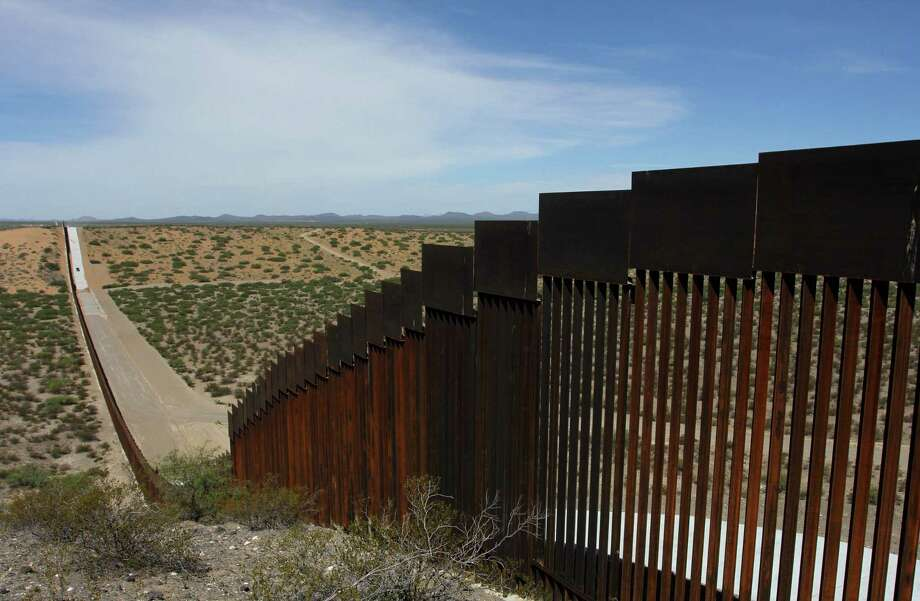 This picture taken on August 28, 2019 shows a portion of the wall on the US-Mexico border. Photo: HERIKA MARTINEZ / AFP /Getty Images / AFP or licensors