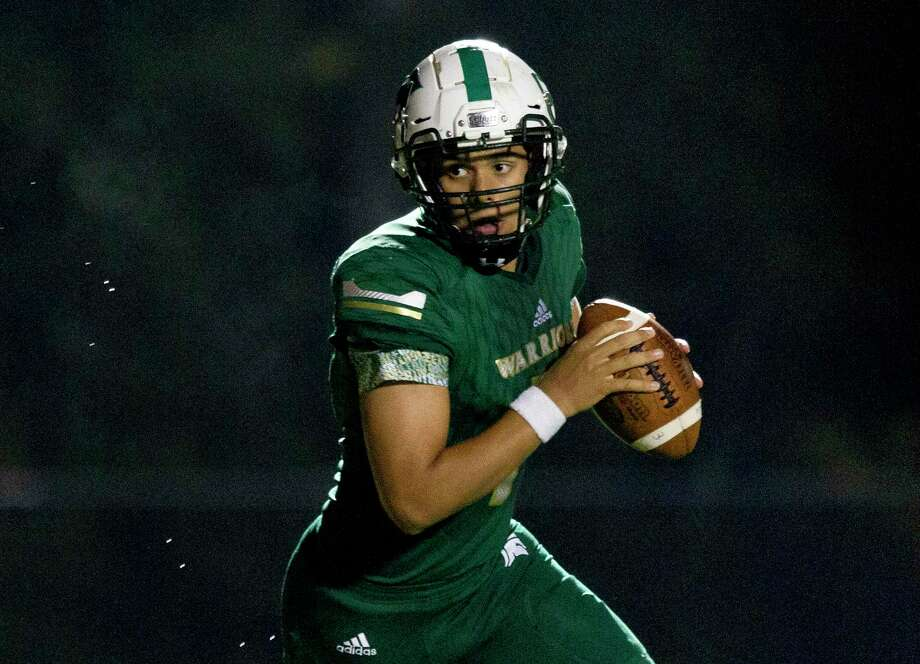 The Woodlands Christian Academy quarterback Aaron Monsivaiz (7) has accounted for 27 touchdowns this season, including 23 passing. Photo: Jason Fochtman, Houston Chronicle / Staff Photographer / Houston Chronicle