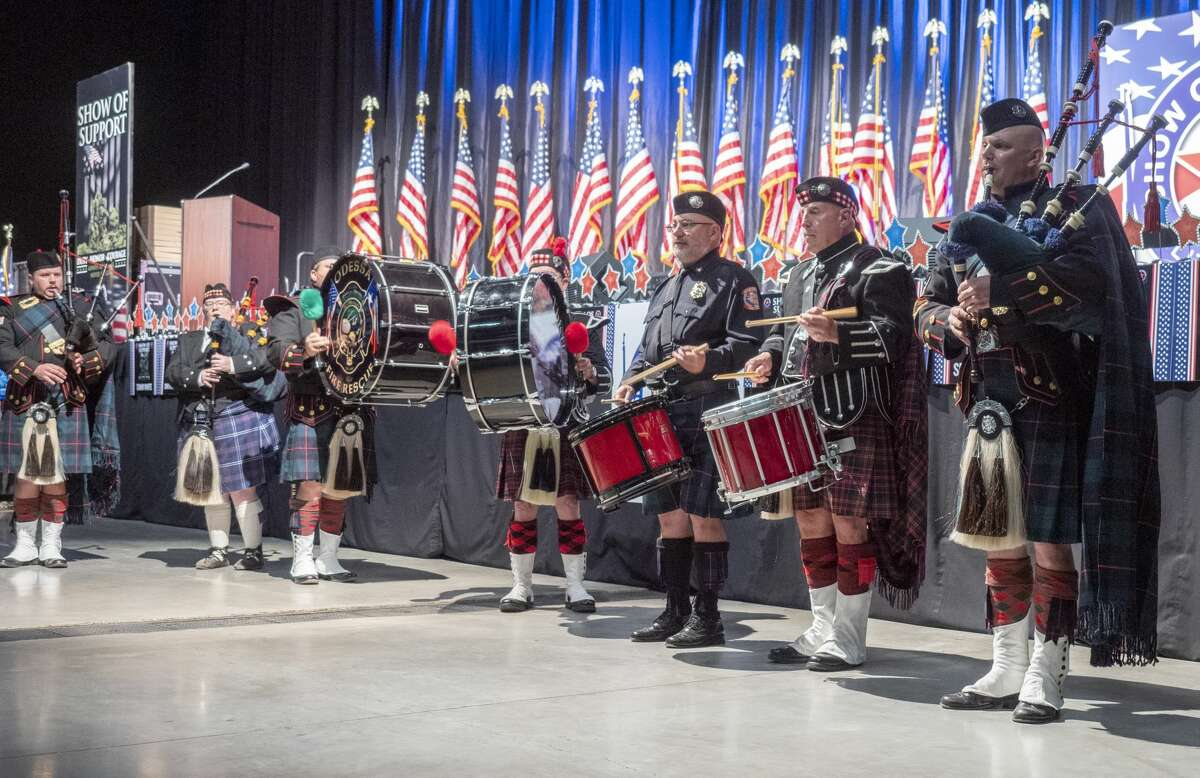 Members of Thorns & Thistle Pipes and Drums perform 11/21/19 evening at the 16th annual Show of Support Hunt for Heroes banquet. Tim Fischer/Reporter-Telegram