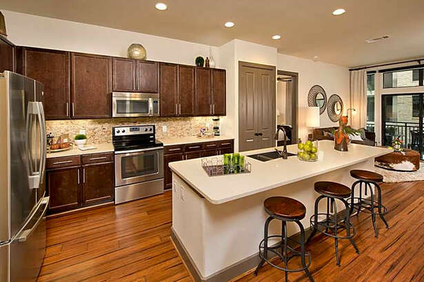 3100 Post Oak Blvd. | Photo:Apartment Guide